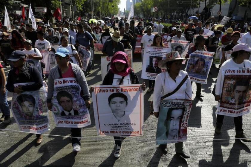Ayotzinapa inicia un homenaje a los desaparecidos a 43 días del quinto aniversario