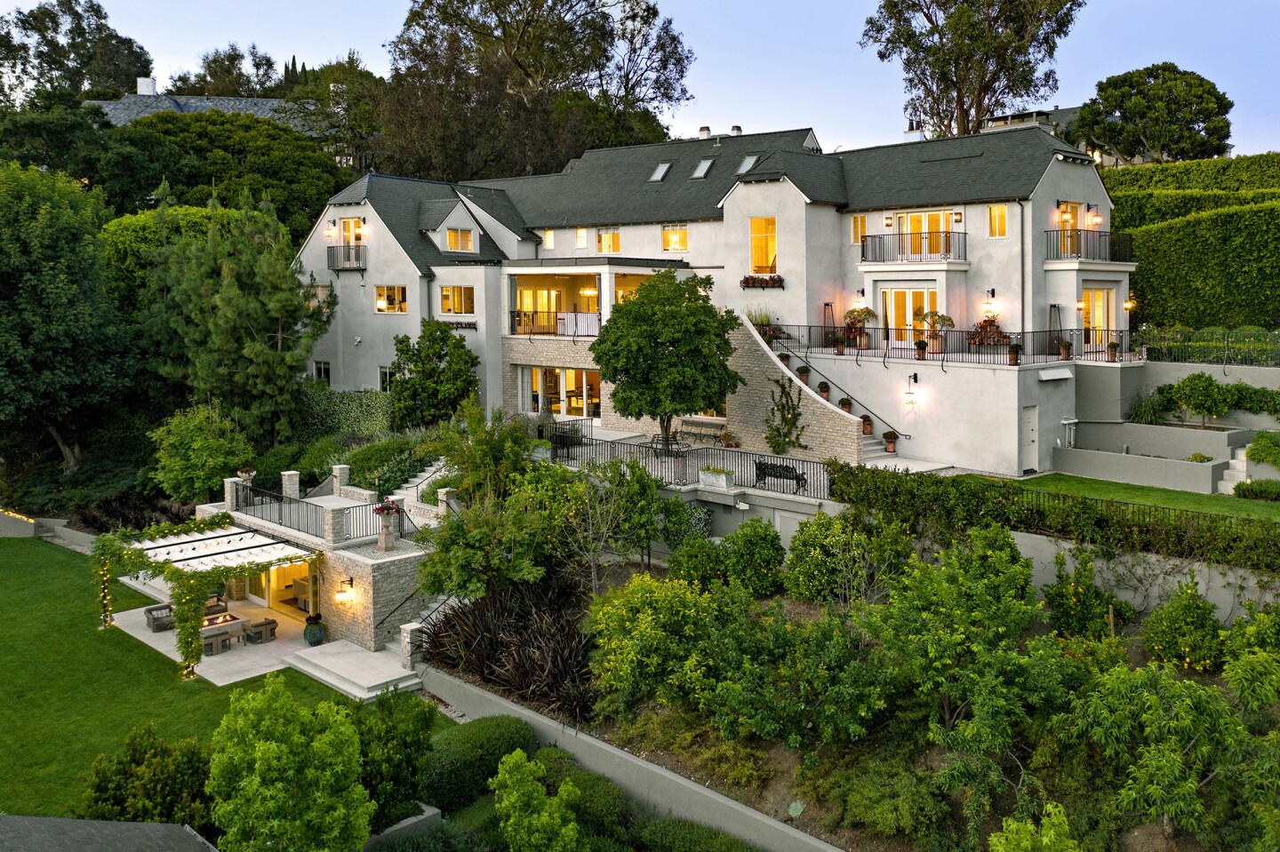 Home of the Week | Beverly Hills estate boasts a full cast of Hollywood players