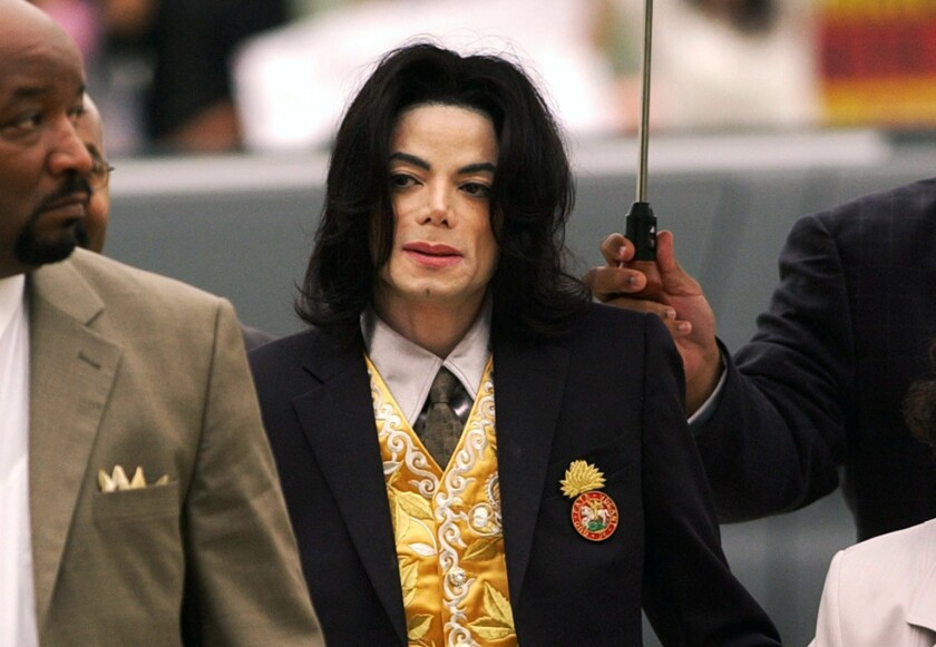Michael Jackson arrives at the Santa Barbara County Courthouse