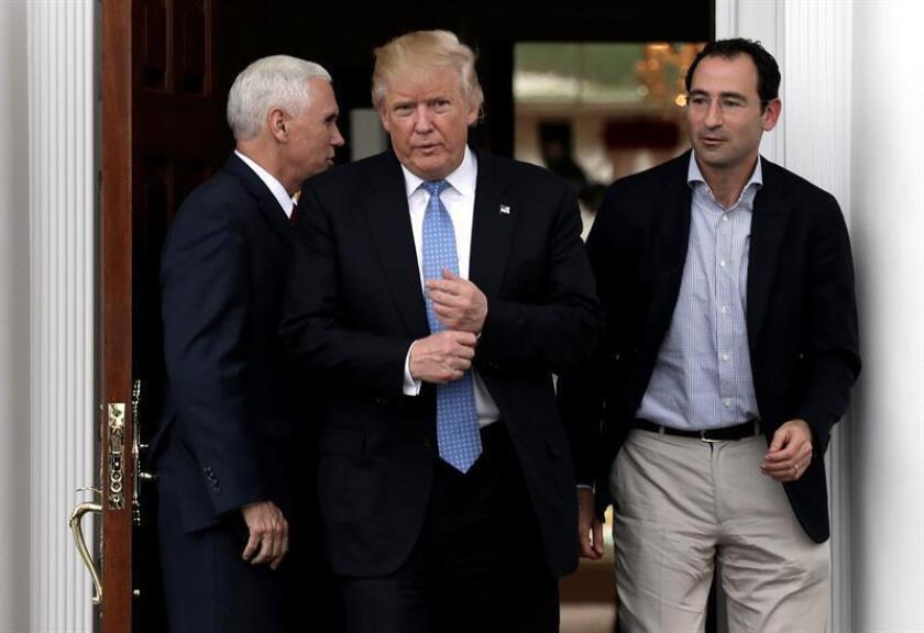 El presidente electo, Donald Trump, amenazó hoy nuevamente con imponer nuevos aranceles a las empresas que decidan invertir en el extranjero e intenten vender después sus productos en el país. EFE/ARCHIVO