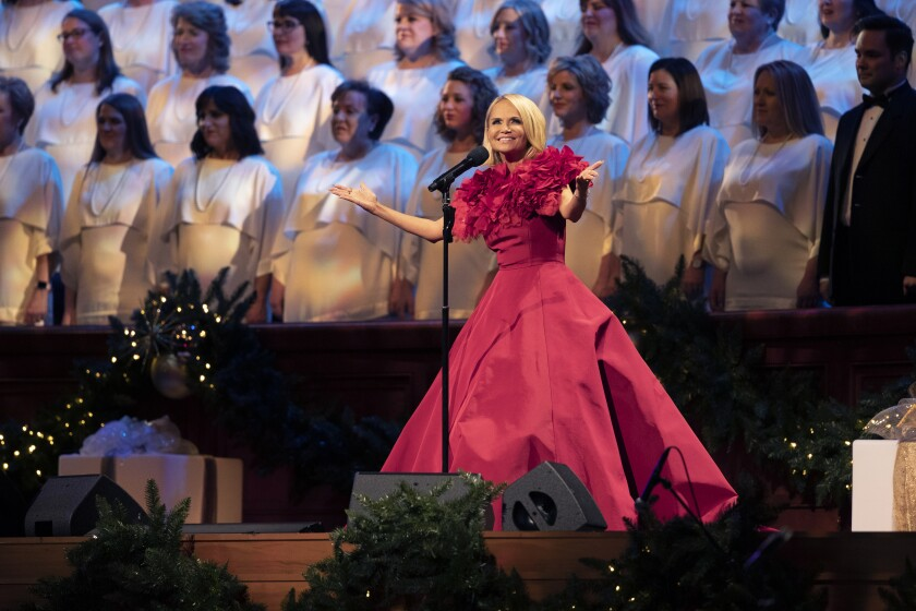 """""""Christmas With the Tabernacle Choir Featuring Kristin Chenoweth"""""""