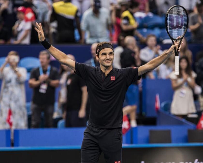 Roger Federer tras ganar su partido al estadounidense Frances Tiafoe. EFE