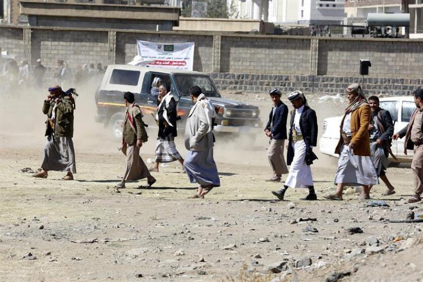 Seguidores de los rebeldes hutíes se concentran para mostrarles su apoyo, en Saná (Yemen). EFE/Archivo