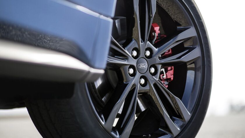 Edge ST features superior handling and braking, ST-tuned sport suspension, Sport Mode, new quick-shi
