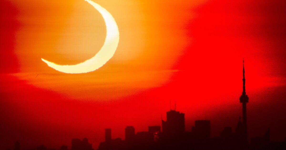 Photos: 'Ring of fire' eclipse lights up the sky - Los Angeles Times