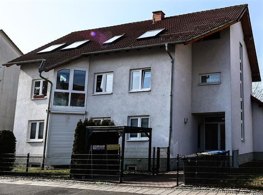 Vista exterior de la propiedad de un médico deportivo este jueves en Erfurt (Alemania). EFE