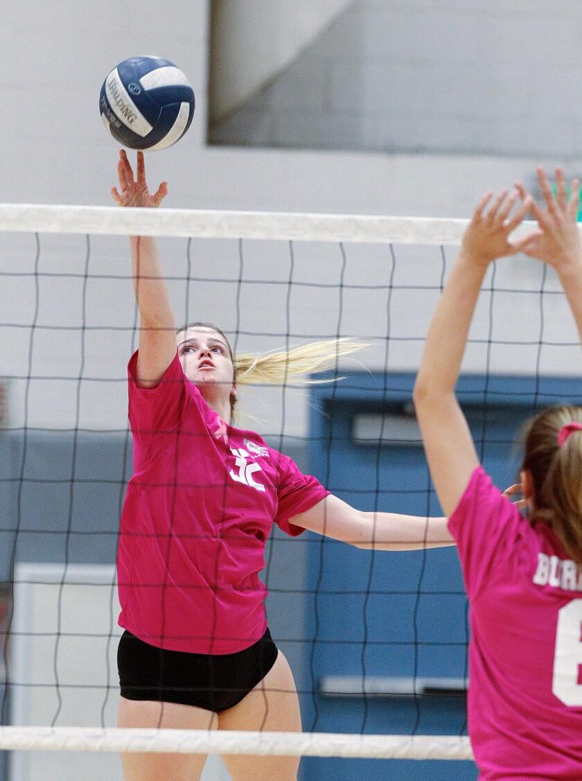 tn-blr-burbank-crescenta-valley-girls-volleyball-20191010-21.jpg