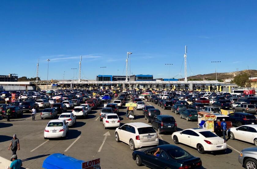 Vista de la garita de San Ysidro que es transitada diariamente por más de 50 mil vehículos.