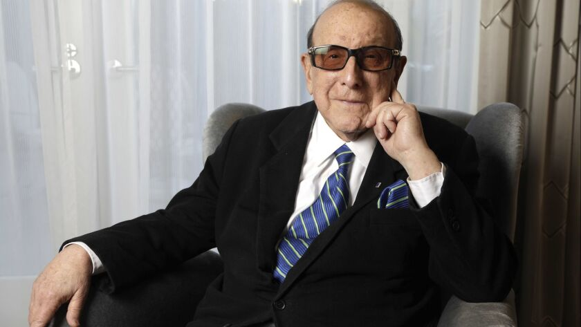 Veteran music executive Clive Davis will once again lead a pre-Grammy Awards bash at the Beverly Hilton Hotel.