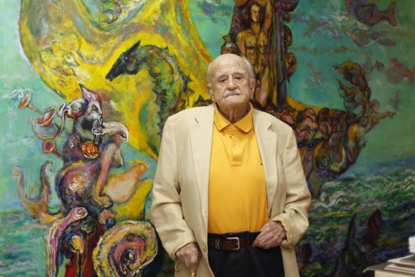 El pintor mexicano José García Ocejo posa durante una entrevista con Efe este jueves, 7 de junio de 2018, en su estudio de Ciudad de México (México). EFE