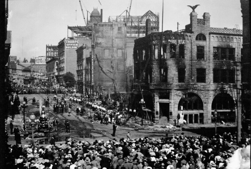 Oct. 1, 1910: Crowds gather outside the Los Angeles Times after the bombing of the newspaper buildin