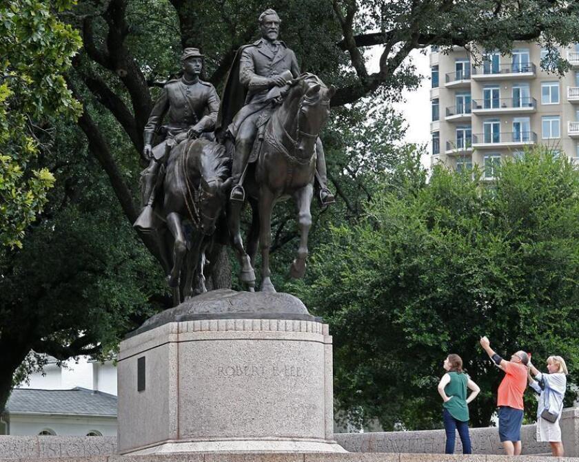 """Pese a ser considerados """"ofensivos"""" para muchos, Estados Unidos aún tiene 772 monumentos en honor a los Estados Confederados, de acuerdo con un reporte de la organización Southern Poverty and Law Center (SPLC) ."""