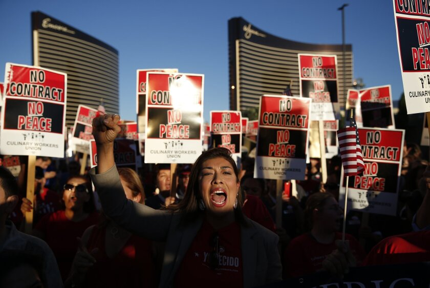 Culinary Union picketers at Trump hotel