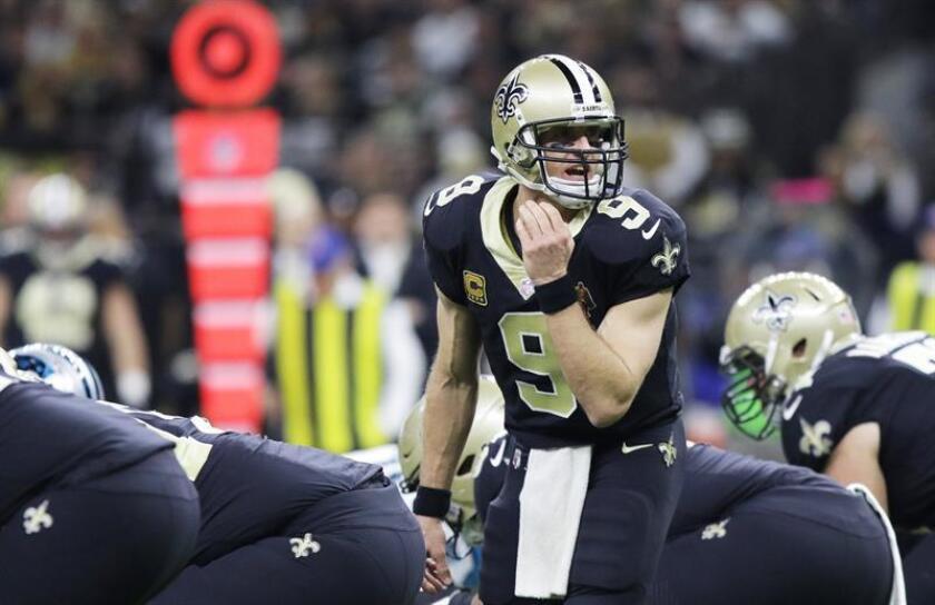Una vez más la figura del mariscal de campo Drew Brees brilló en la dirección del ataque de los Saints de Nueva Orleans a los que dirigió al triunfo de 31-17 ante los Falcons de Atlanta. EFE/Archivo