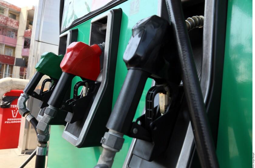 Los incrementos en los precios de gasolinas y diesel a raíz de la liberalización están relacionados con el aumento en los precios del petróleo, sostuvo Guillermo García Alcocer, comisionado presidente de la Comisión Reguladora de Energía (CRE).