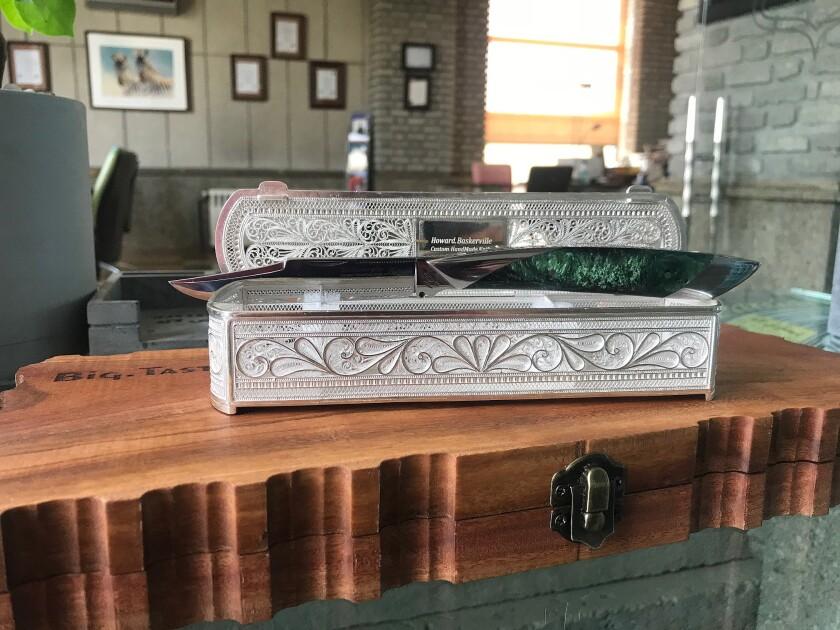 Luxury knife