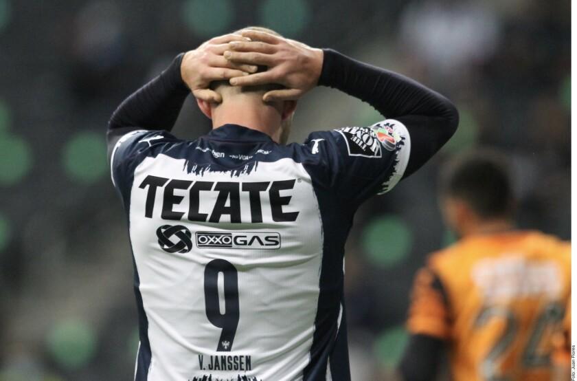 El árbitro Jorge Pérez Durán