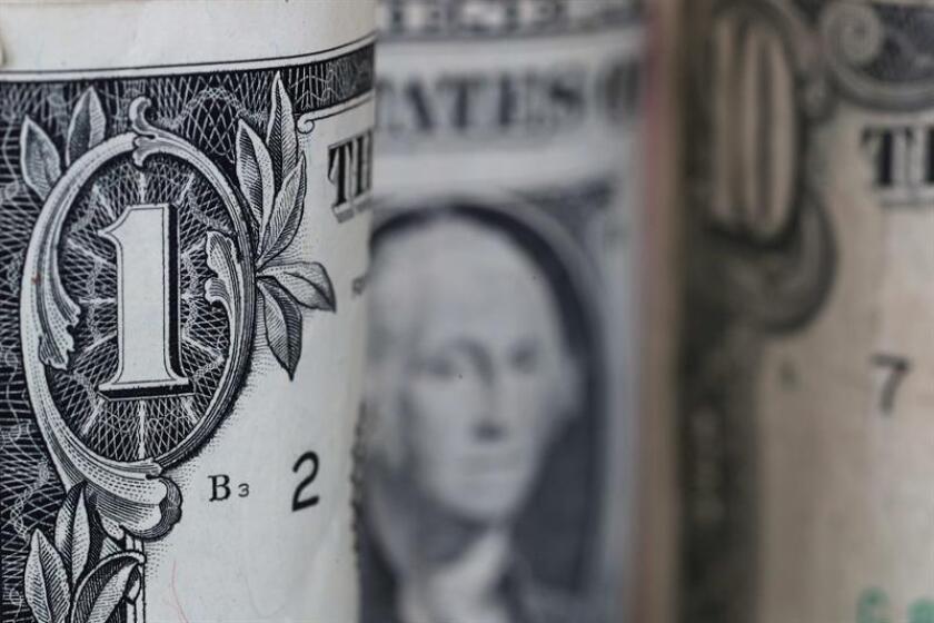 Más de una veintena de estados en el país aumentarán el salario mínimo a partir de comienzos de 2019, mientras que el sueldo mínimo federal se mantiene en 7,25 dólares por hora. EFE/Archivo