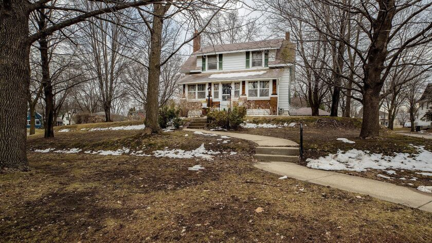 For sale: 'Grumpy Old Men' house in St. Paul is a nostalgic 'time capsule'