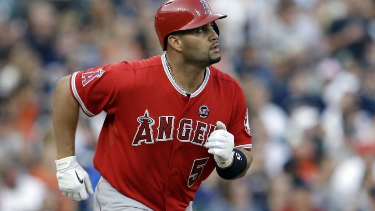 Tony La Russa On Albert Pujols If Healthy There S No Better Hitter Los Angeles Times