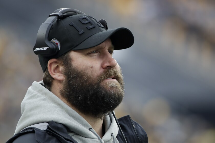 Injured quarterback Ben Roethlisberger watches the Pittsburgh Steelers play the Cleveland Browns on Dec. 1, 2019.