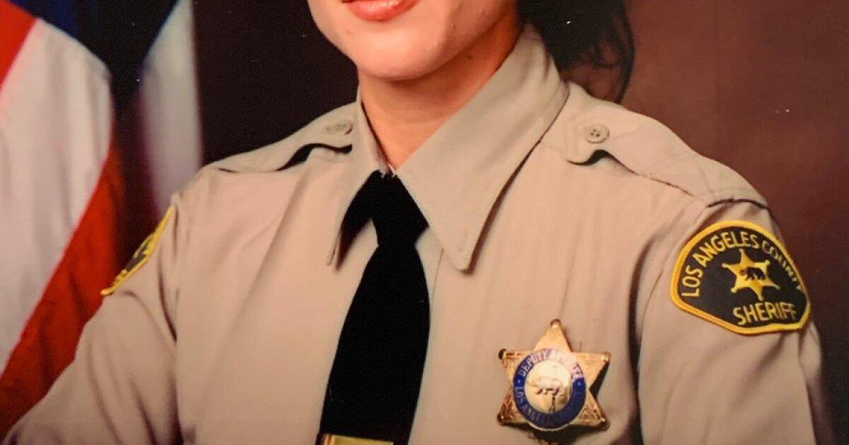 Off duty L.A郡保安官の探偵が襲撃で殺害されたがレンダリング支援