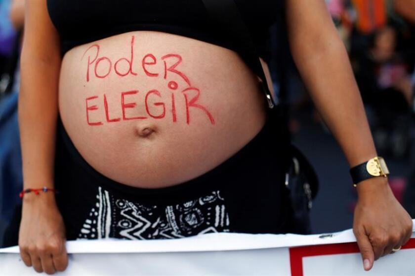 La activista peruana Victoria Villanueva, líder de la organización feminista Movimiento Manuela Ramos, ha buscado apoyo en Nueva York en la lucha para lograr que en su país se legalice el aborto. EFE/Mario Ruiz