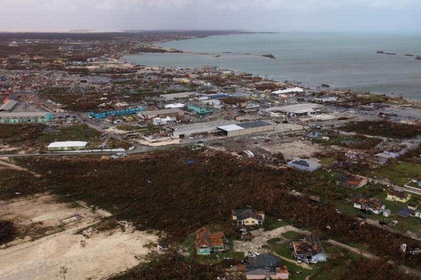 Las Carolinas sufren las primeras consecuencias de llegada del huracán Dorian