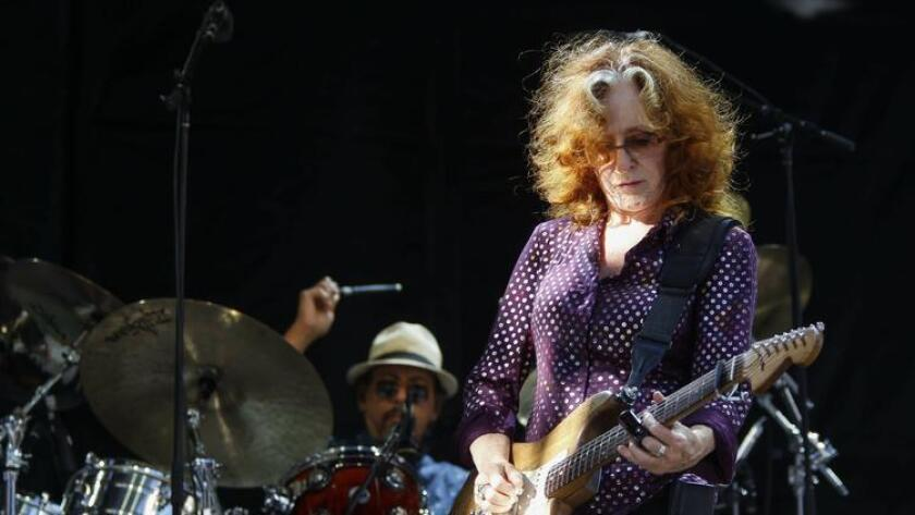 Bonnie Raitt performs at the Zuma stage during the KAABOO Del Mar festival at the Del Mar Fairgrounds on Friday. Photo by Hayne Palmour IV/San Diego Union-Tribune/Mandatory Credit: HAYNE PALMOUR IV/SAN DIEGO UNION-TRIBUNE/ZUMA PRESS San Diego Union-Tribune Photo by Hayne Palmour IV copyright 2015 (Hayne Palmour IV)