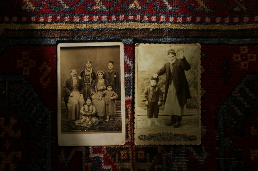 475135-la-me-armenian-genocide-recognition10_GAJ.JPG