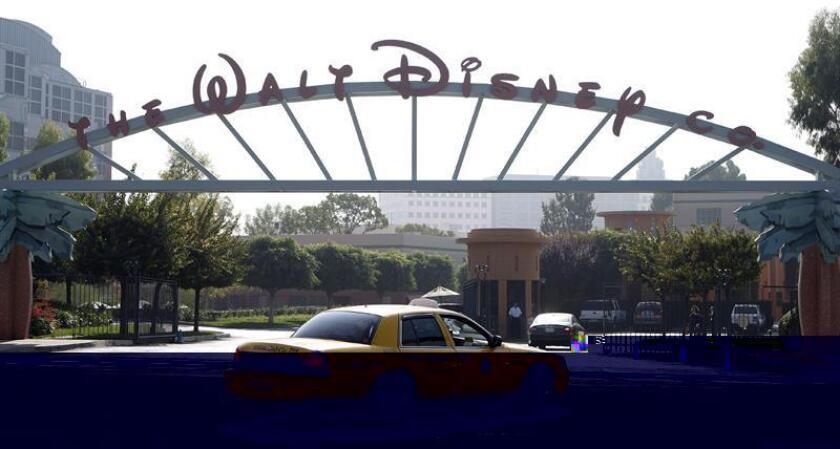 El artista Tyrus Wong, que inspiró al entrañable ciervo Bambi de la película de animación de Walt Disney, murió anoche en Estados Unidos a los 104 años, informó el Museo de la Familia de Walt Disney (The Walt Disney Family Museum). EFE/ARCHIVO