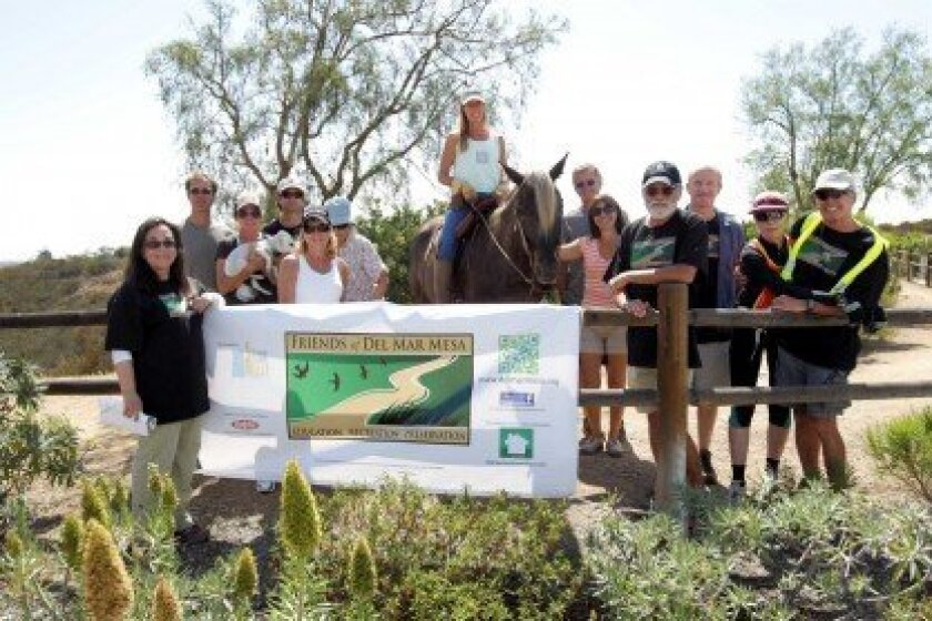 Friends of Del Mar Mesa participants at their first Trail Mixer Photo/Jon Clark