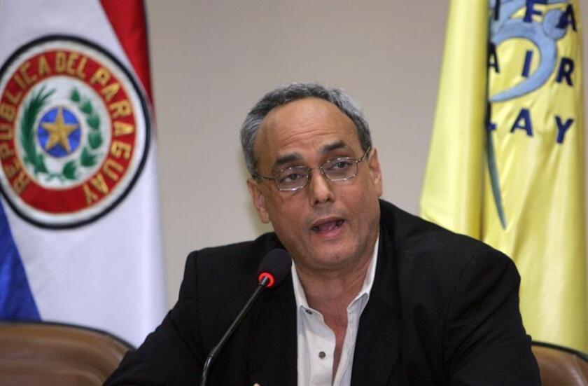 """Un jurado absolvió hoy al exdirigente del fútbol peruano Manuel Burga de los cargos por corrupción por los que está juzgado en un tribunal federal de Nueva York, en el marco del caso conocido como """"FIFA-Gate"""". EFE/Archivo"""