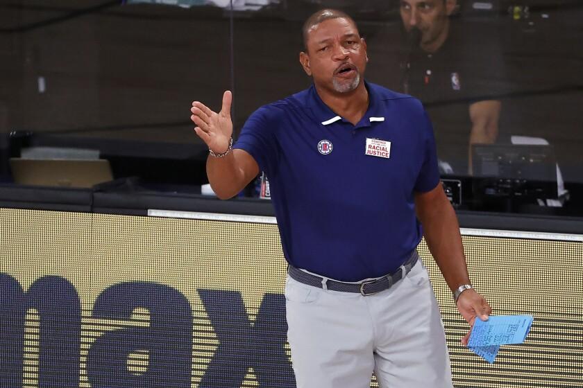 El entrenador de los Clippers de Los Ángeles Doc Rivers