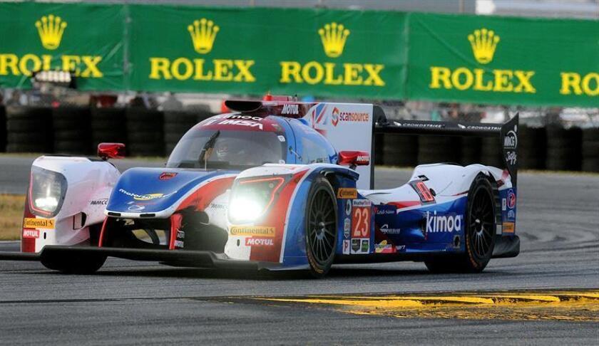 """El piloto español Fernando Alonso del equipo """"United Autosports"""" conduce su vehículo """"Ligier LMP2"""" #23 durante la Rolex 24 Horas en la ciudad de Daytona Beach (Estados Unidos). EFE"""