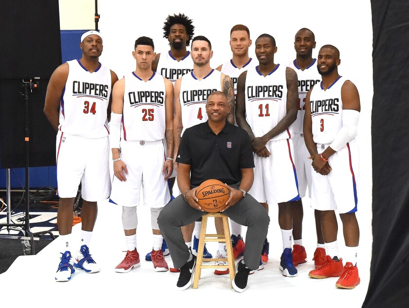 A Look At Clippers 2016 17 Roster Los Angeles Times