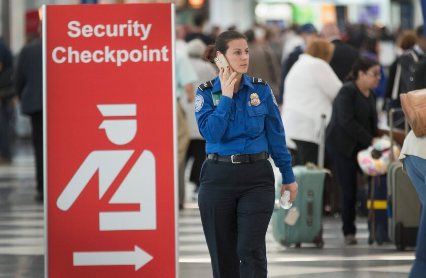 U.S. officials see no specific or credible threat to air travel during Thanksgiving holiday