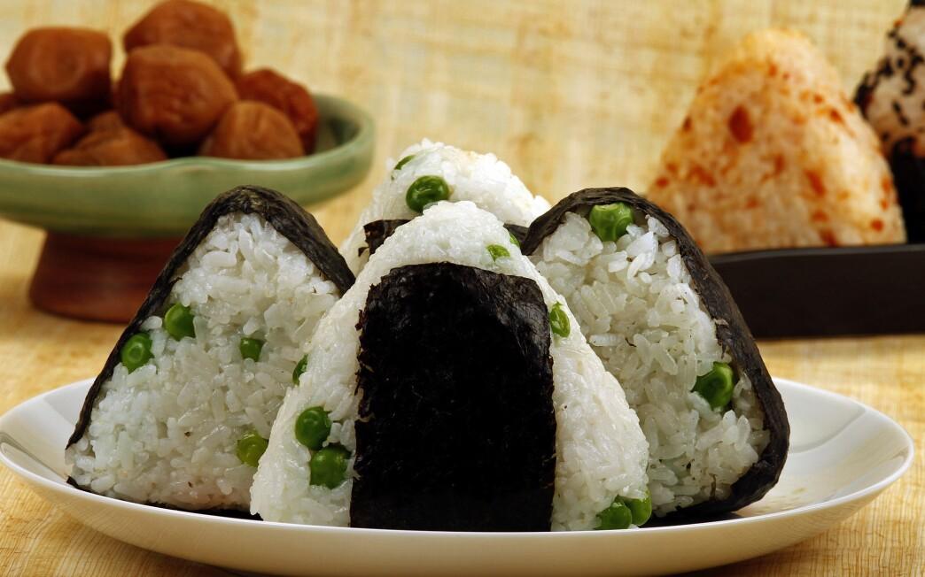 Fresh pea and umeboshi onigiri filling