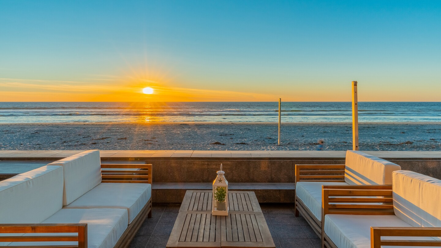 Home of the Week - 2606 Ocean Front Del Mar