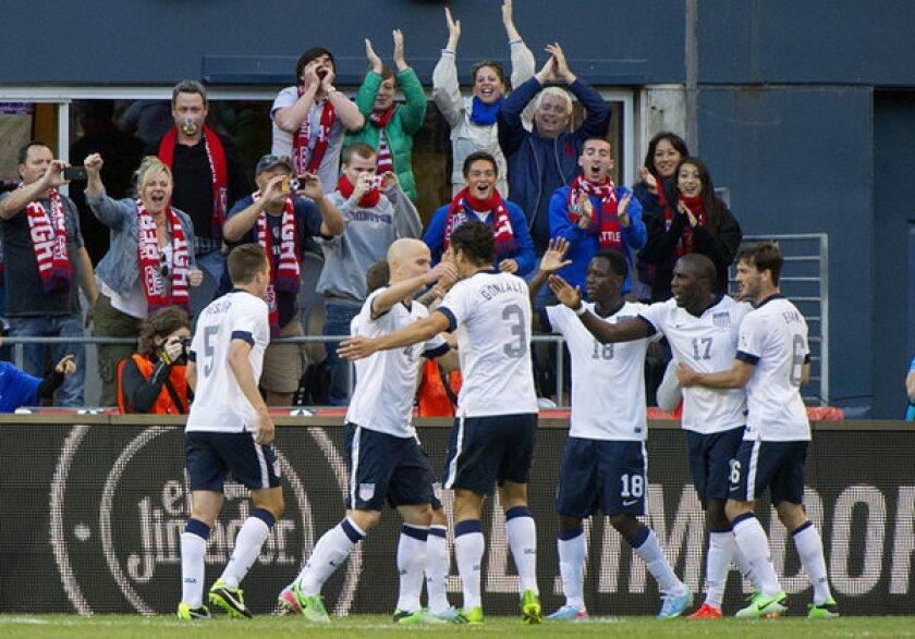 Jozy Altidore leads U.S. to 2-0 victory over Panama