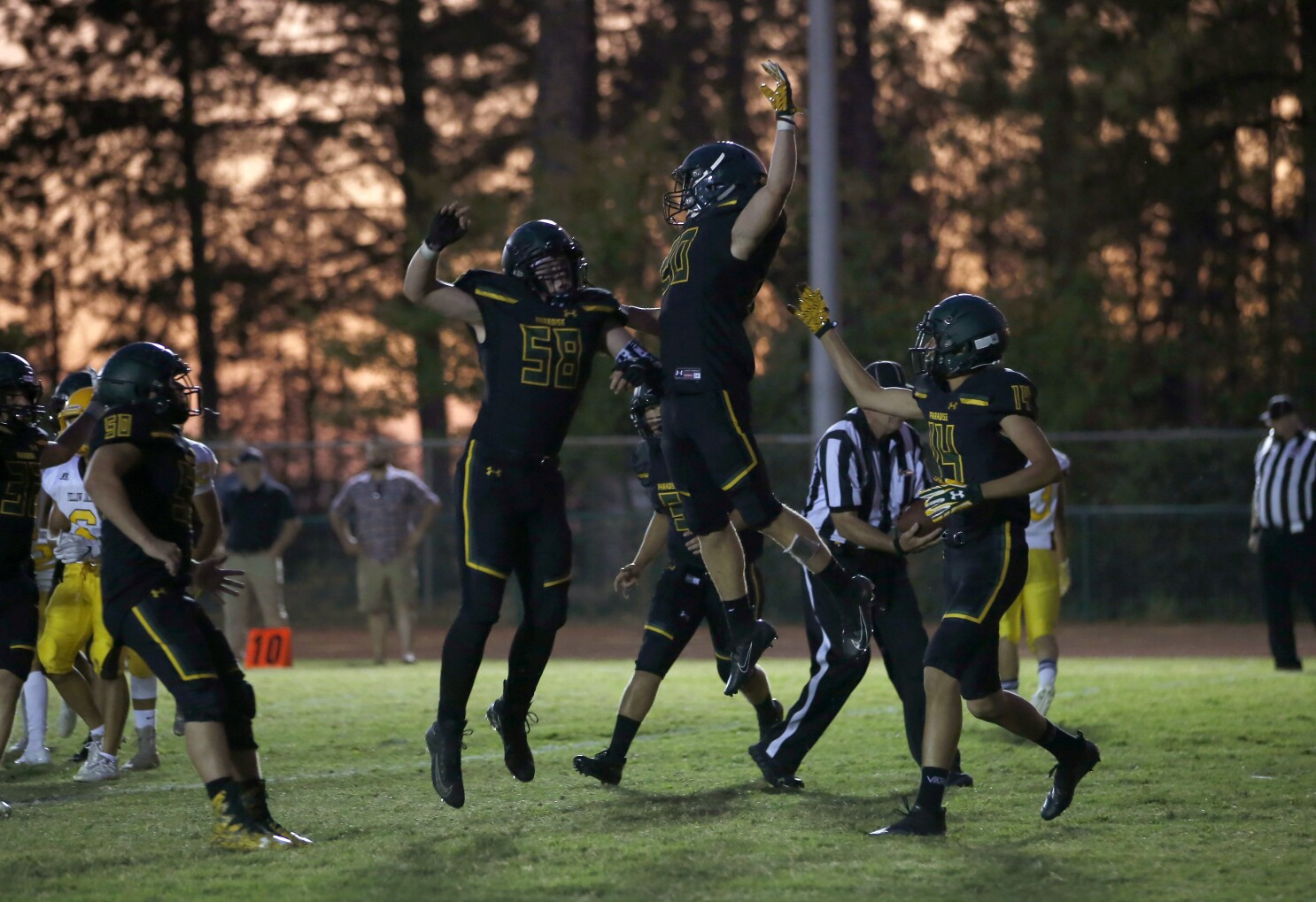 Paradise, the town devastated by wildfire, savors high school football win