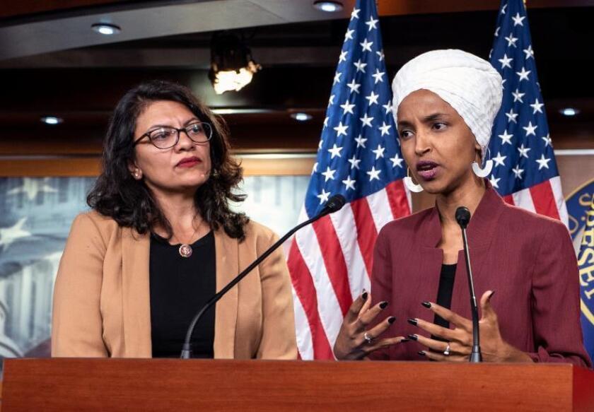 Democratic Representatives Ilhan Omar (R) and Rashida Tlaib speak about President Trump's Twitter attacks against them in the US Capitol in Washington, DC, USA. EFE/EPA/Jim Lo Scalzo