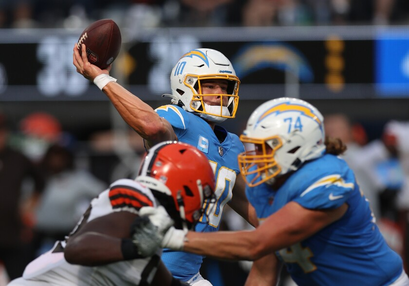 Justin Herbert leads the Chargers to a 47-42 victory against the Cleveland Browns, October 11, 2021 in Inglewood.
