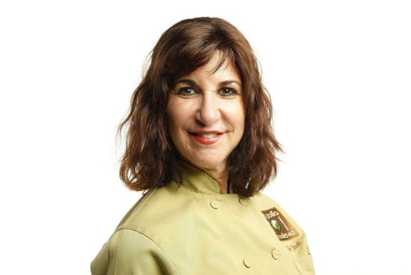 SAN DIEGO_Chef Jodi Abel, who conducts cooking workshops for corporate team-building groups  .John Gastaldo / San Diego Union-Tribune