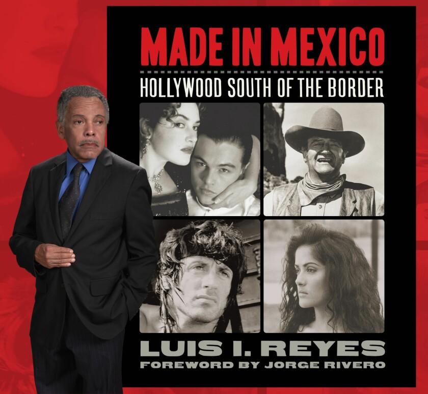 """El autor Luis I. Reyes frente a un cartel con la parte de su libro """"Made In Mexico"""", que aborda un tema de especial interés para los cinéfilos."""