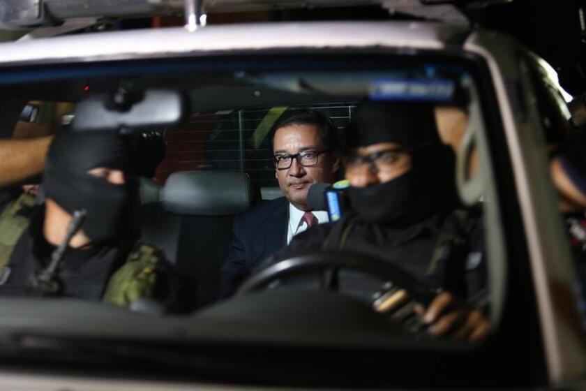 La Fiscalía General de la República presentó el lunes un nuevo requerimiento penal contra el ex fiscal general, Luis Martínez, quien ya enfrenta un proceso por los delitos de omisión en la investigación y fraude procesal como parte de una red de corrupción en el ministerio Público.