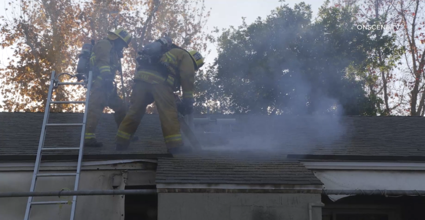 A fire broke out in a small Lakeside apartment complex Thursday.