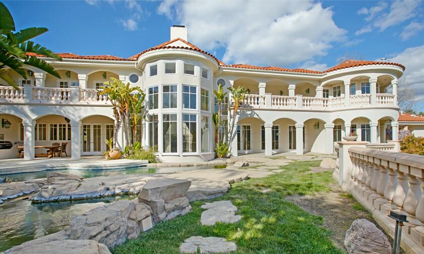 John Stamos' former Calabasas home