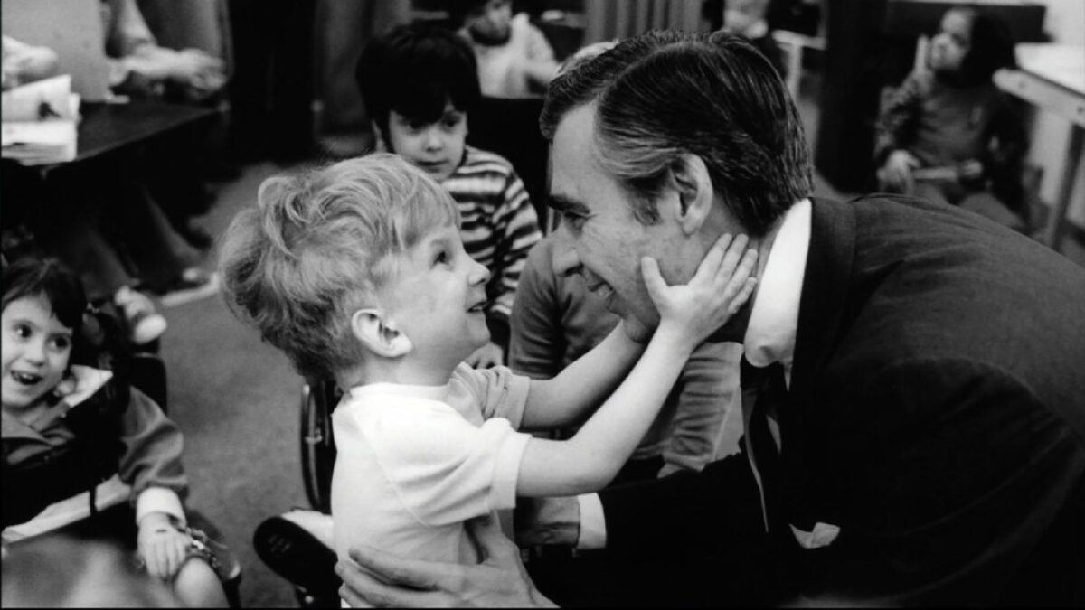 Filmmaker S Documentary On Fred Rogers Highlights Tv Host S Kindness Nonpartisan Appeal Los Angeles Times