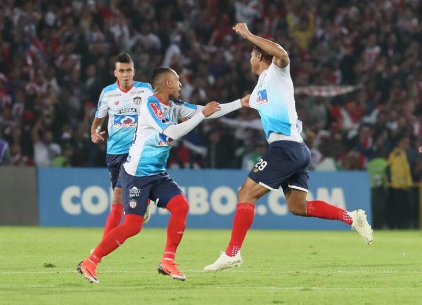 En la imagen, Teofilo Gutiérrez (d) jugador del Junior de Barranquilla. EFE/Archivo